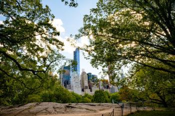 Hochzeitsfotograf New York Brautpaar macht Hochzeitsfotos im Central Park