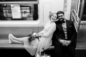 Hochzeitsfotograf New York Brautpaar in Metro Subway